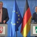 Foto zeigt Gesundheitsminister Karl-Josef Laumann und Ministerpräsident Armin Laschet beim Pressebriefing