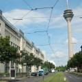 Ministerium für Arbeit, Integration und Soziales mit dem Rheinturm in Düsseldorf