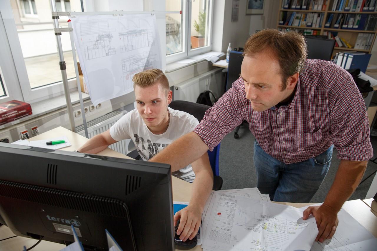 Gut koordiniert in die berufsausbildung ausbildung zum for Ausbildung produktdesigner