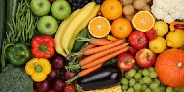 Foto zeigt viele Obst- und Gemüsesorten