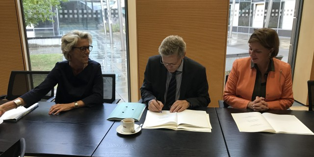 Unterzeichnung der Vereinbarung MAGS und Regionaldirektion NRW der BA