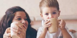 Titelbild des Flyers: Teetrinken ist manchmal die bessere Wahl!