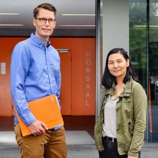 Foto: Michel Boße mit einer Studentin