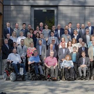 Gruppenfoto der Teilnehmenden bei der Sitzung des Inklusionsbeirates des Landes Nordrhein-Westfalen 2018