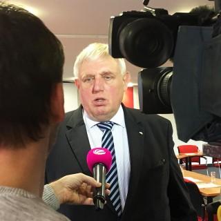 Foto: Minister vor der Sat1-Kamera