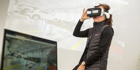 Mit VR-Brillen können Kunden bereits virtuellen Einblick in die künftige Werkstattausrüstung nehmen.