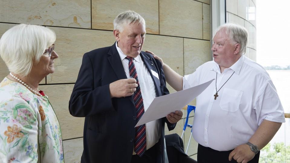 Minister Laumann im Gespräch.