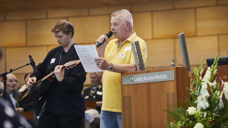 Uwe Werner trug ein Gedicht vor.