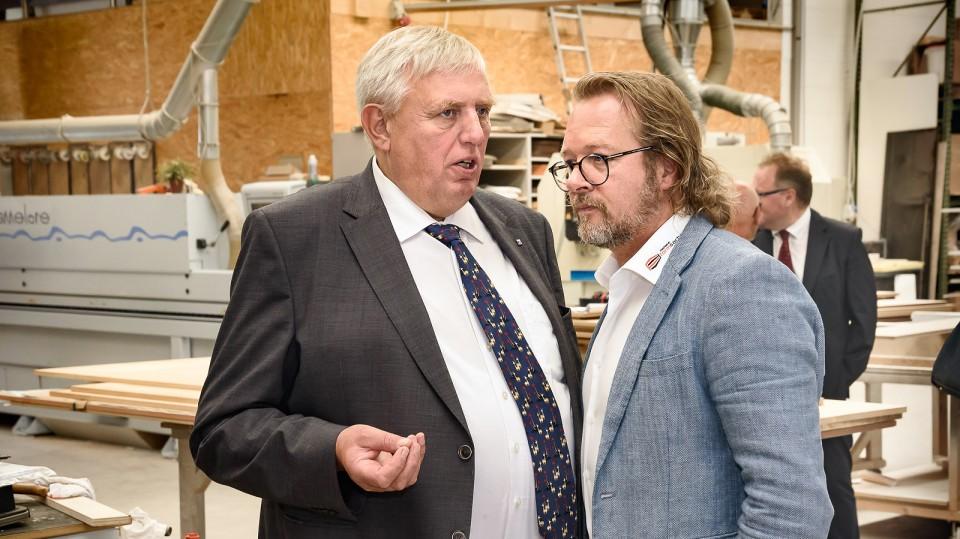Arbeitsminister informiert Tischlermeister über weitere Fördermöglichkeiten