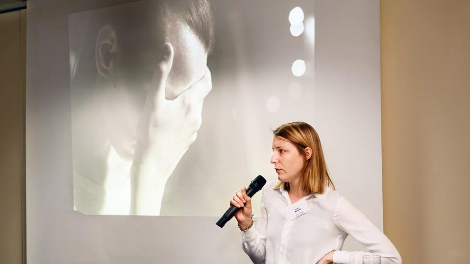 Foto: Maari Wagner stellte die Erfahrungen beim CJD BBW Dortmund vor.