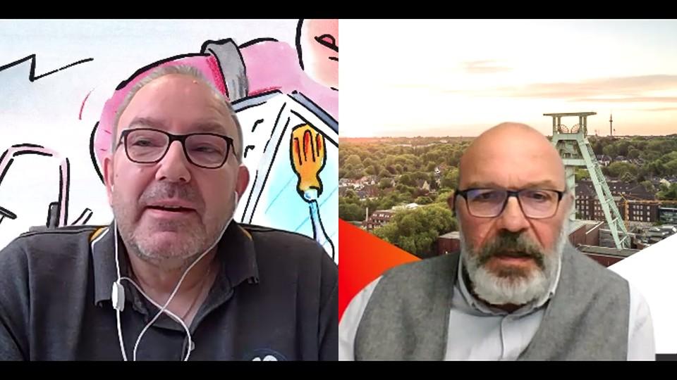"""Screenshot: Zwei Männer berichten über ihre Erfahrung aus dem ESF-geförderten Projekt """"Arbeit 2020+ in NRW"""""""