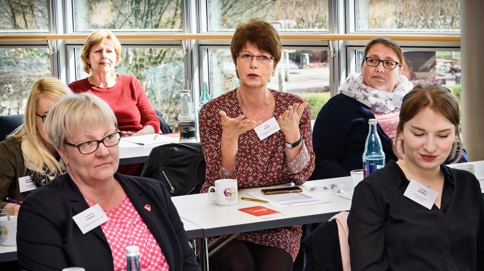 Foto: Fachkundige Diskussion: Arbeitsmarktpolitische Akteurinnen berichteten über ihre eigenen Erfahrungen