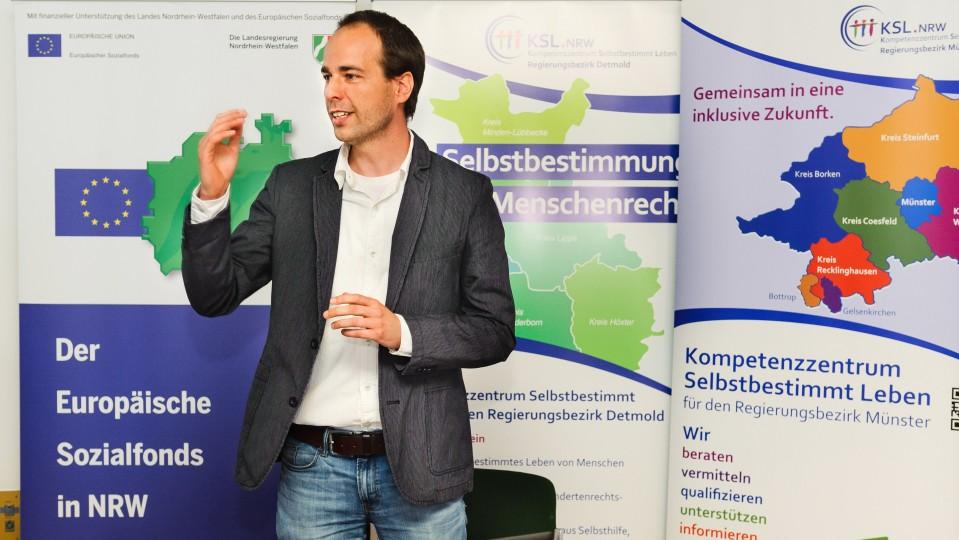 Foto: Marcus Windisch leitet die in Gelsenkirchen ansässige Koordinierungsstelle Kompetenzzentren Selbstbestimmt Leben