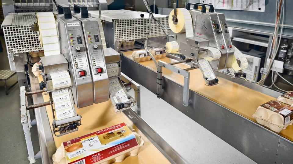 Maschinen zur Etikettierung der Eier-Packungen