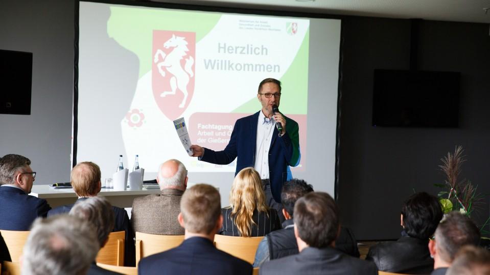 Foto: Moderator Uwe Schulz