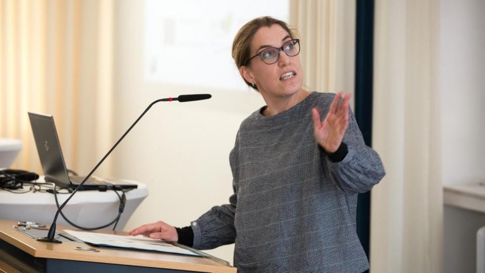 Attraktives Arbeitsfeld Kampagne Aus Munster Wirbt Fur Die Pflege Arbeit Gesundheit Soziales