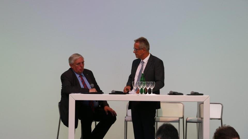 Minister Karl-Josef Laumann im Gespräch
