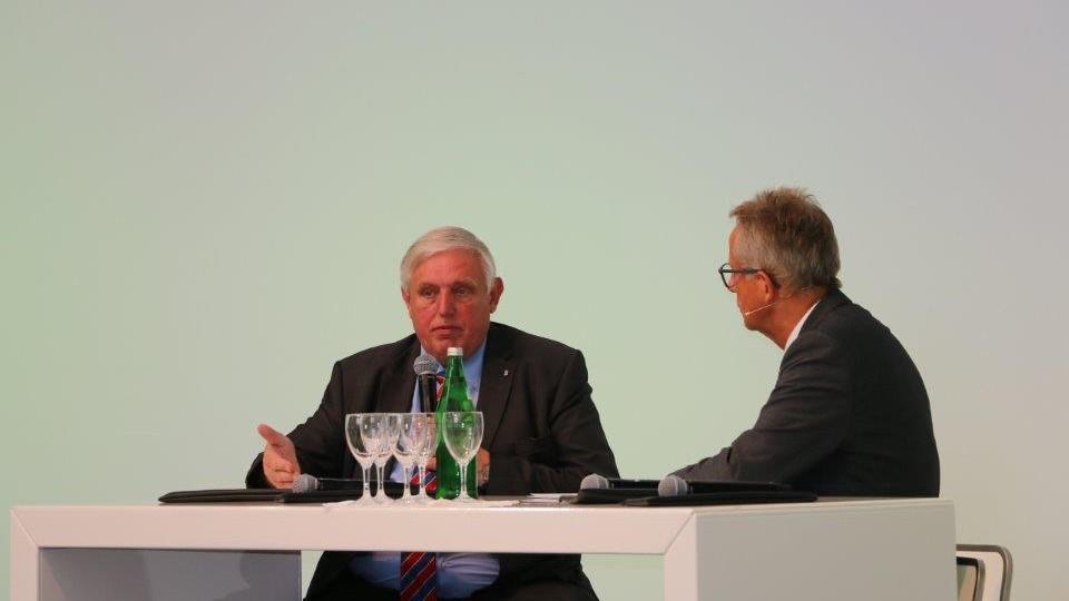 Arbeitsschutzminister Karl-Josef Laumann spricht zum Arbeitsschutz 4.0