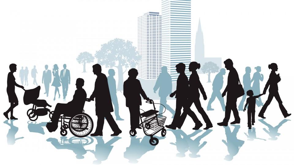 Schattenhafte Darstellung von Menschen vor einer stilisierten Großstadt. Im Vordergrund sieht man einen Mann im Rollstuhl und eine Frau am Rollator.