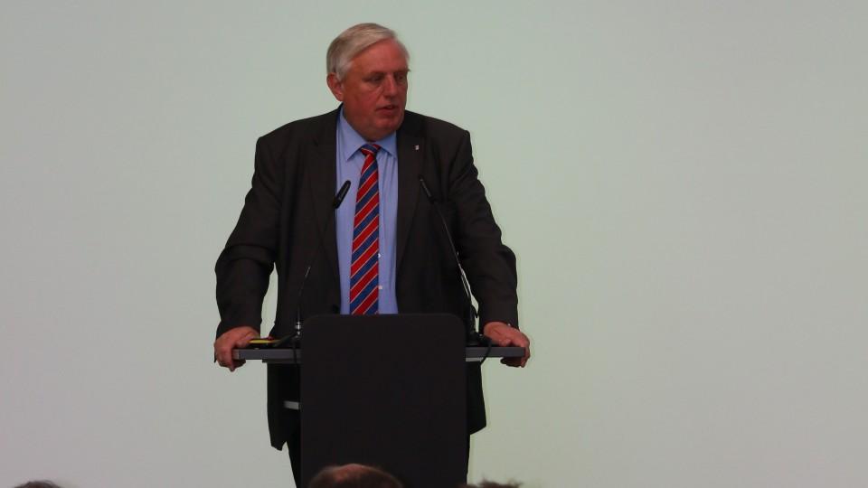 Begrüßung durch Herrn Karl-Josef Laumann, Minister für Arbeit, Gesundheit und Soziales des Landes Nordrhein-Westfalen