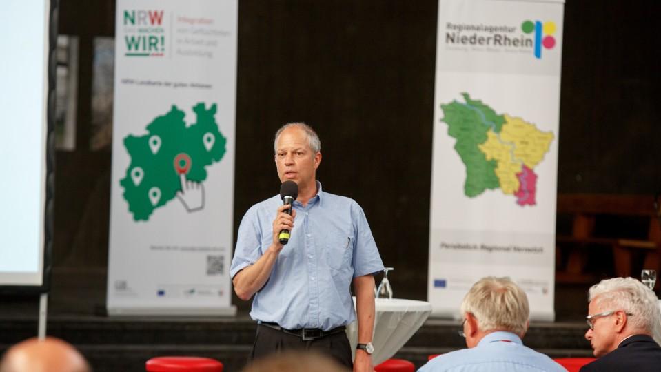 Foto: Michael Brocker vom WDR moderierte die Veranstaltung
