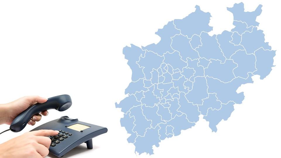 Foto zeigt eine Bildmontage mit Telefon und Landkarte von NRW